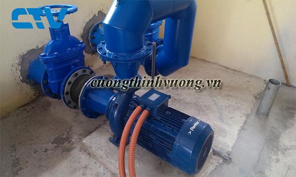 Sửa máy bơm nước pentax chạy không lên nước